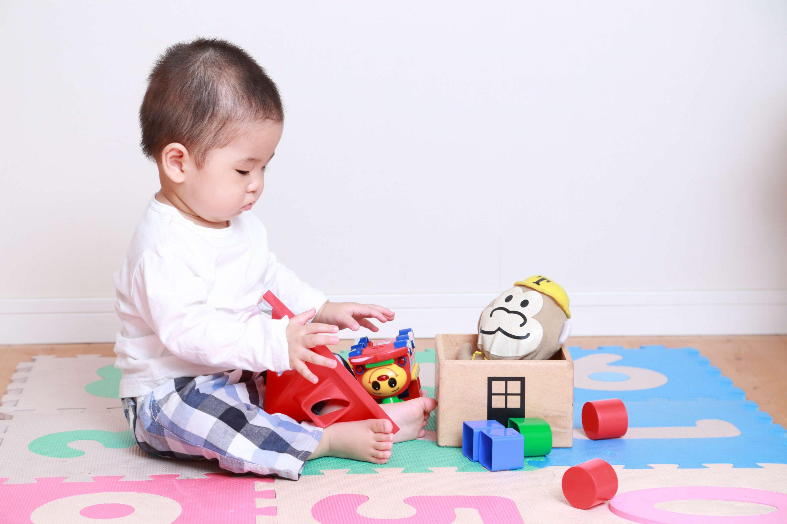 部屋に赤ちゃん用おもちゃスペースを!