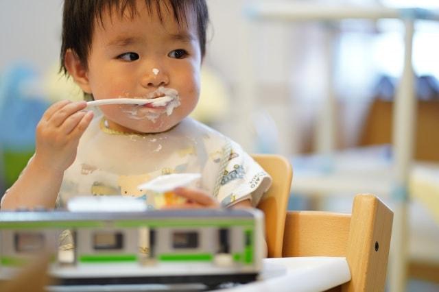 赤ちゃんの便秘と腸とヨーグルト