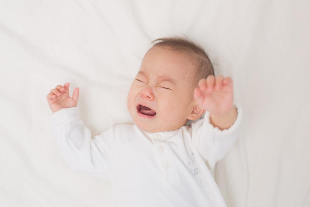 新生児の夜泣きに注意したい4つのこと