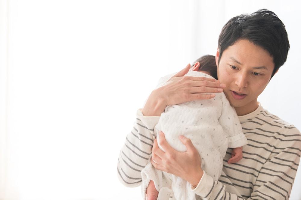 赤ちゃんにゲップをさせる簡単な方法
