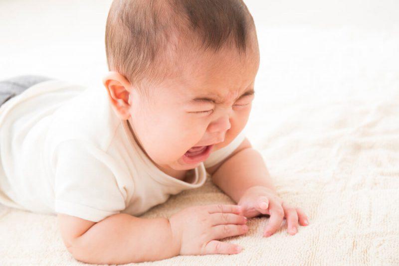 0歳児の癇癪の原因と対応について