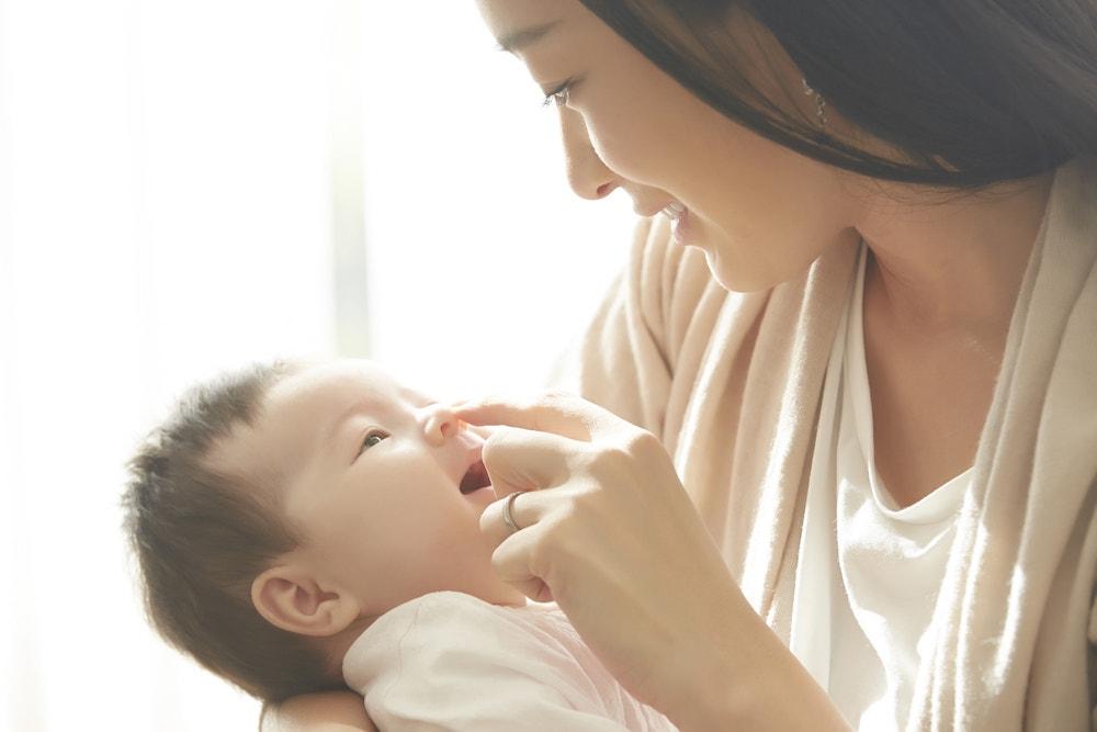 赤ちゃんのかわいいしぐさや反射5選