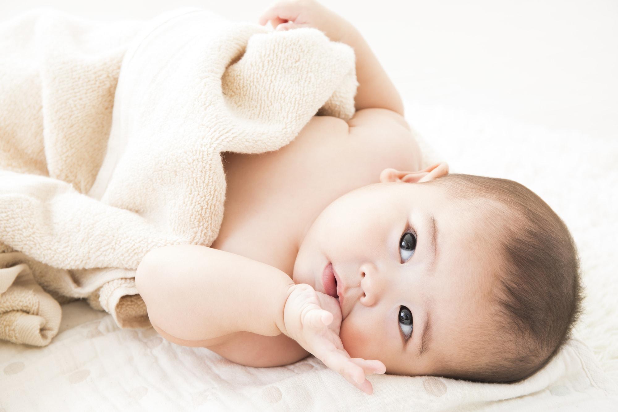 赤ちゃんが指しゃぶりをする原因は?