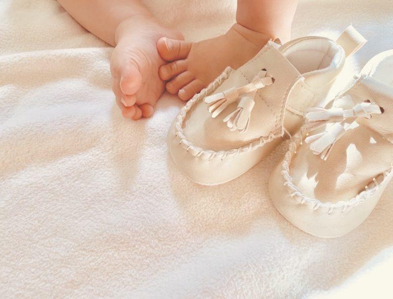 赤ちゃんの初めての靴のサイズは
