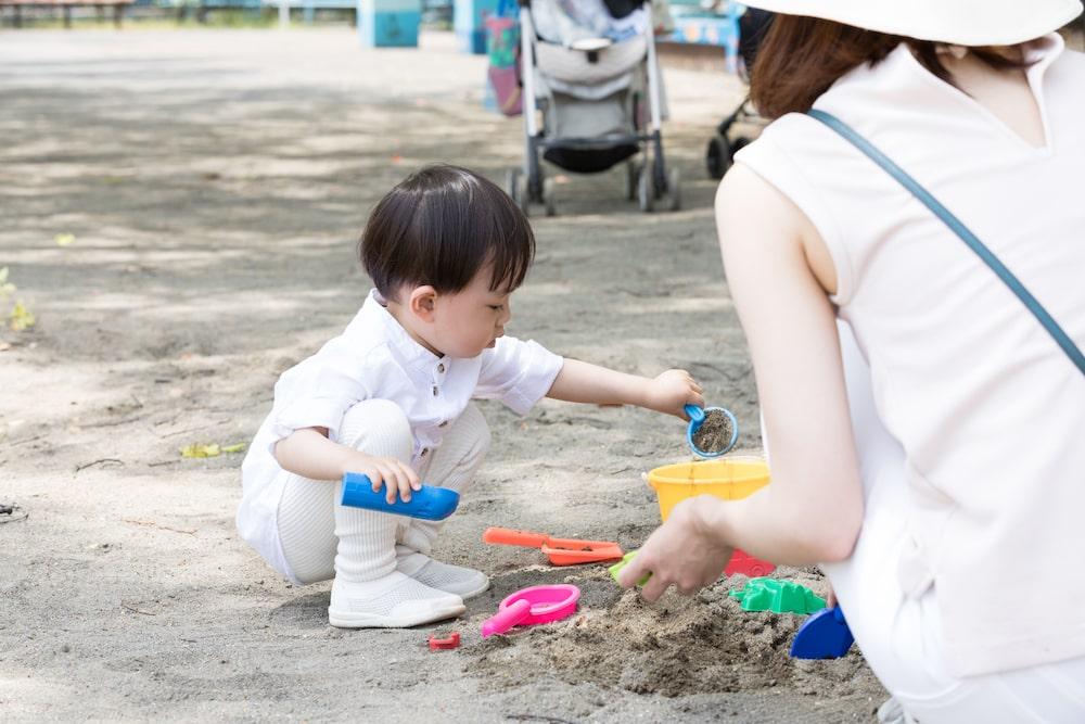 外で砂場遊びをするときの注意点