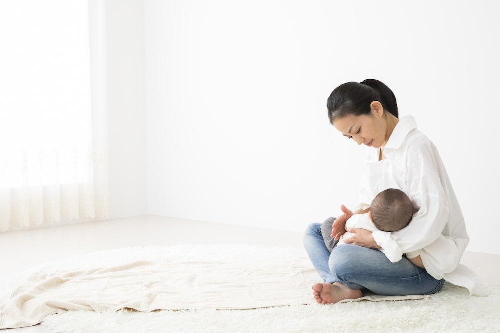母乳が出る仕組みと増やす方法