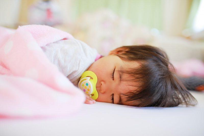 赤ちゃんに必要な睡眠時間
