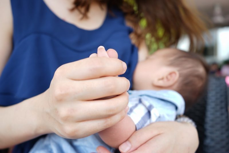 正しい授乳方法で乳腺炎を予防しよう