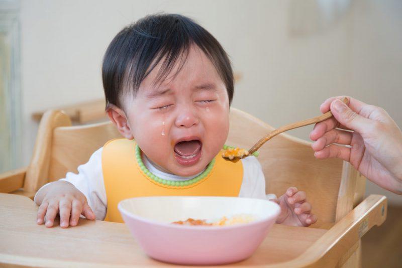 赤ちゃんが離乳食を嫌がる時の進め方