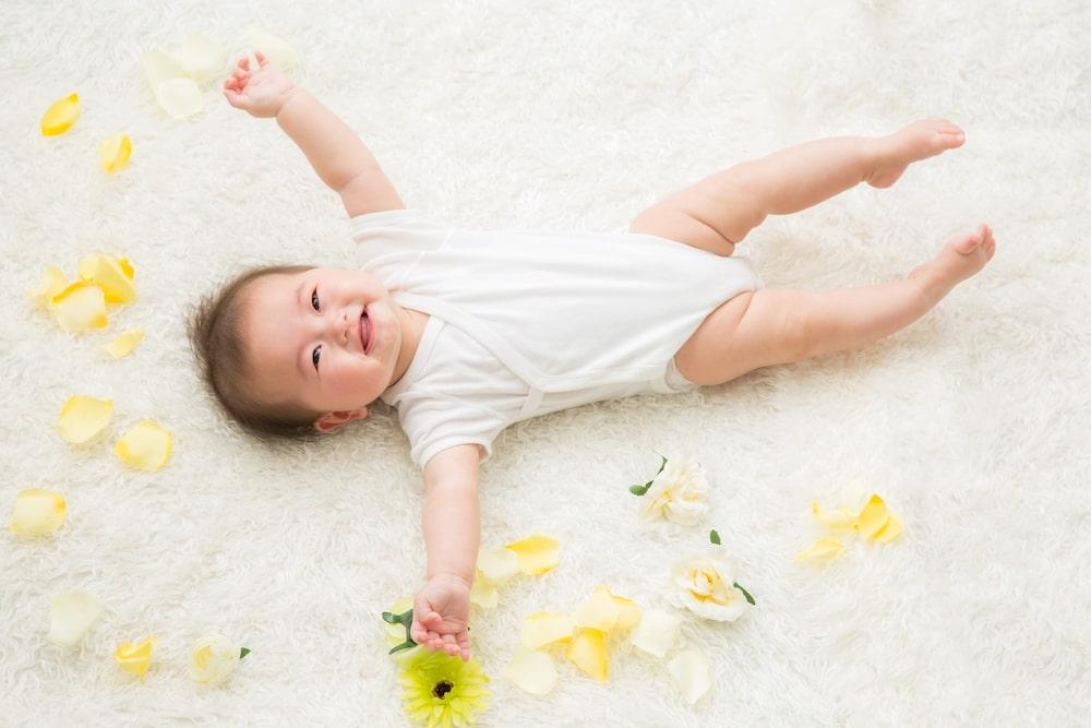 【秋生まれの赤ちゃん】1年間の服の着せ方