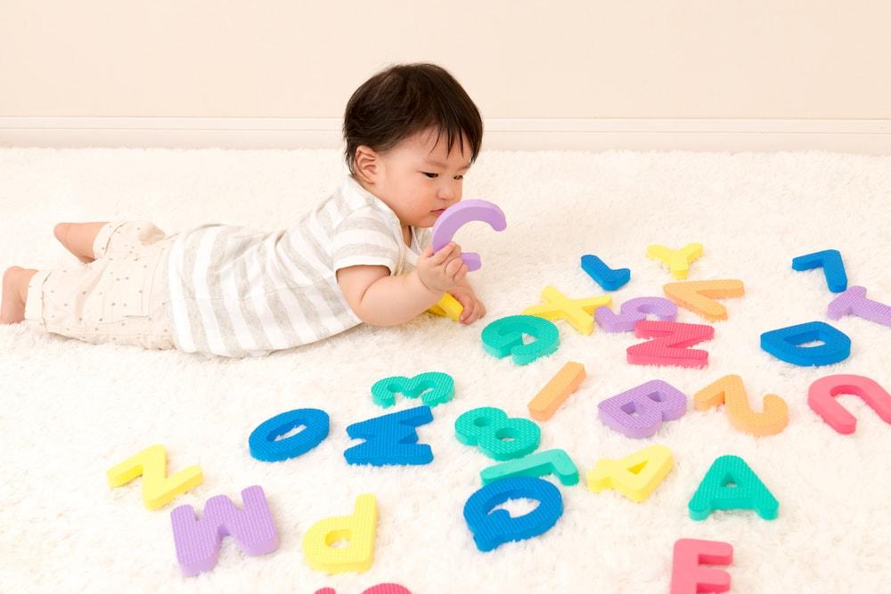 赤ちゃんの早期教育のメリットデメリット