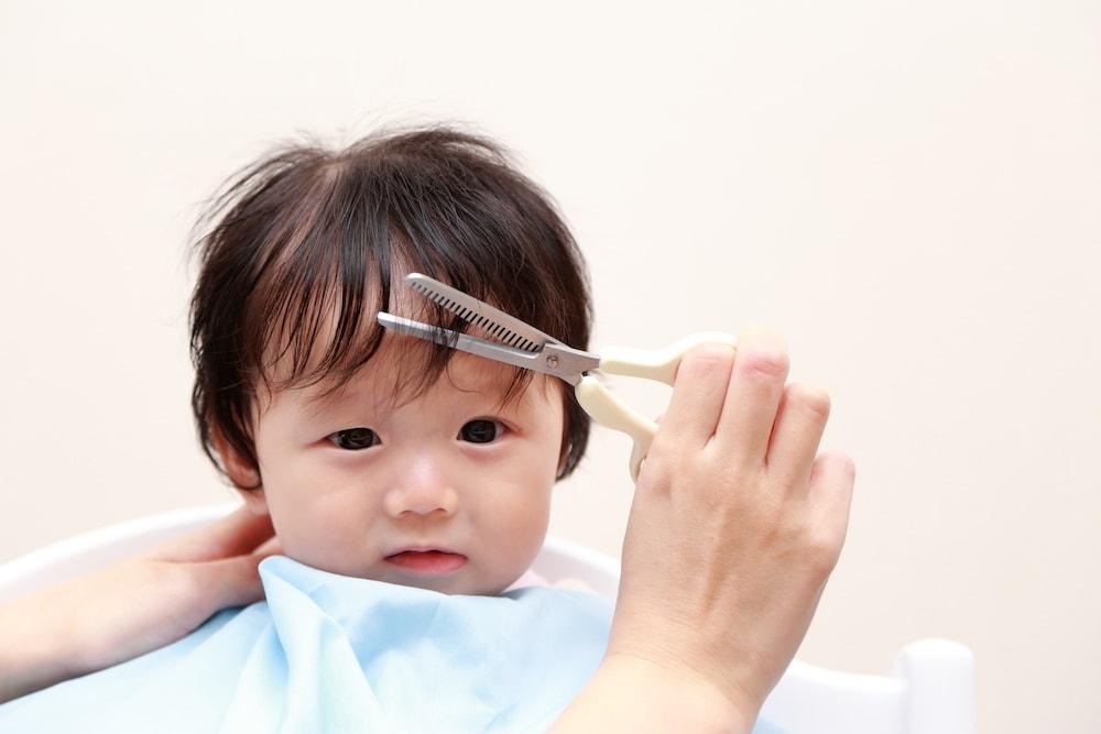 赤ちゃんのヘアカットのやり方は?