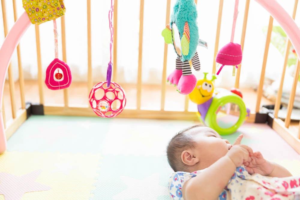 赤ちゃんのベビージムはどんなおもちゃ?