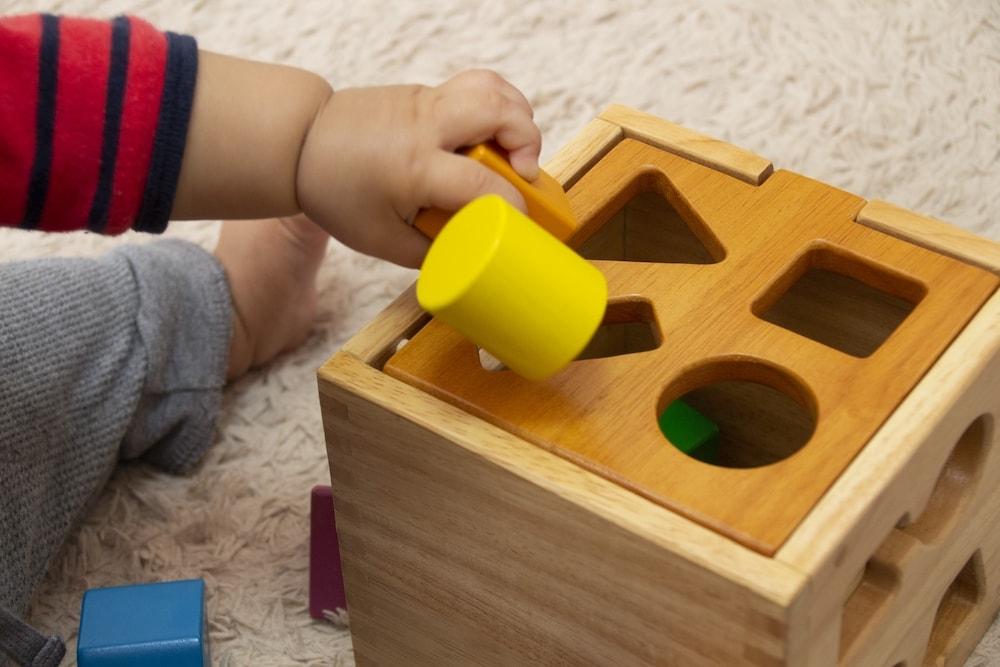 赤ちゃんの木製おもちゃの利点