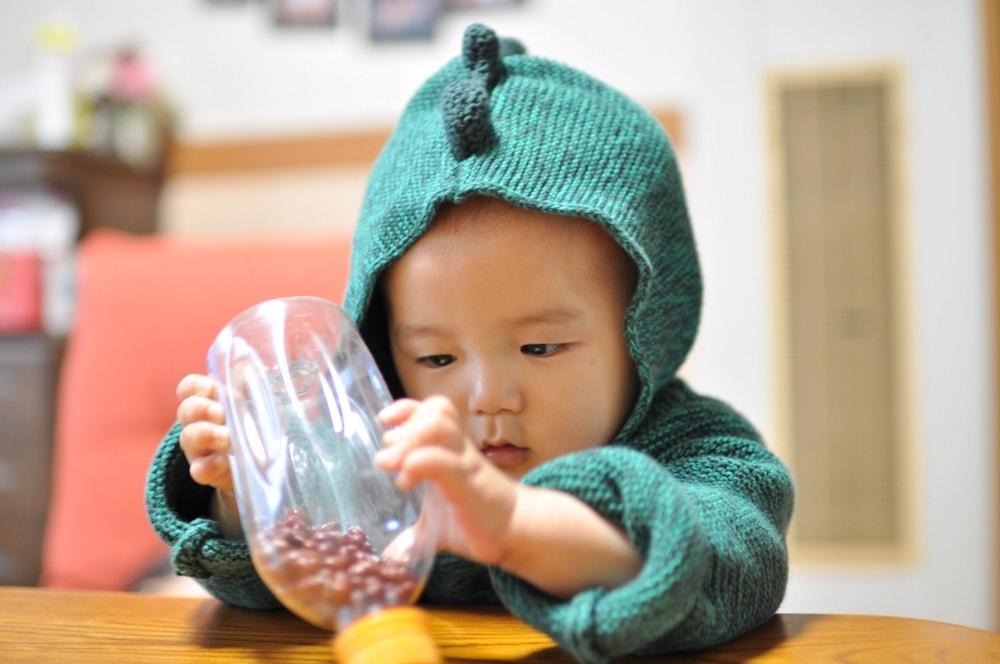 赤ちゃんのための手作りおもちゃ