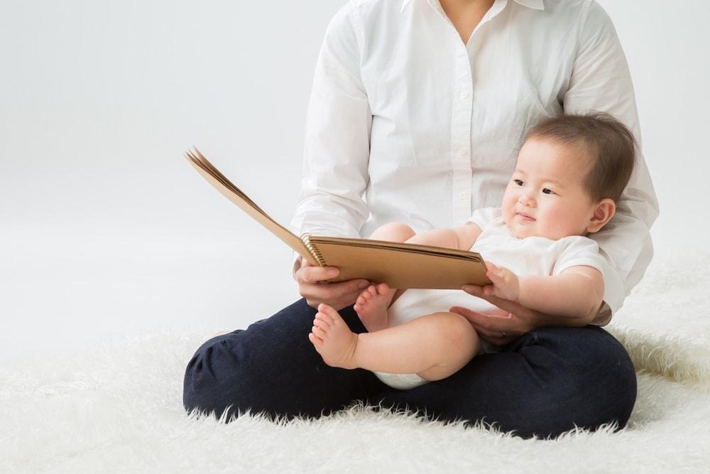 赤ちゃんが寝る時におすすめの絵本とは